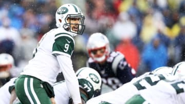 FOXBORO, MA - DECEMBER 24: Bryce Petty #9 of the New York Jets calls a play against the New England Patriots during the first half at Gillette Stadium on December 24, 2016 in Foxboro, Massachusetts. (Photo by Maddie Meyer/Getty Images)