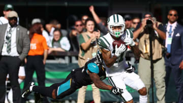 EAST RUTHERFORD, NJ - OCTOBER 01: Robby Anderson #11 of the New York Jets makes a catch against A.J. Bouye #21 of the Jacksonville Jaguars during their game at MetLife Stadium on October 1, 2017 in East Rutherford, New Jersey. (Photo by Al Bello/Getty Images)