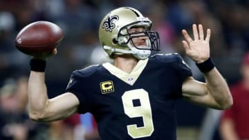 NEW ORLEANS, LA - OCTOBER 29: Drew Brees #9 of the New Orleans Saints drops back to pass against the Chicago Bears during the first quarter at the Mercedes-Benz Superdome on October 29, 2017 in New Orleans, Louisiana. (Photo by Wesley Hitt/Getty Images)