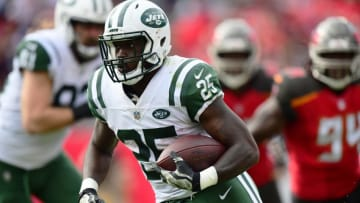 TAMPA, FL - NOVEMBER 12: Running back Elijah McGuire #25 of the New York Jets moves the ball down the field in the third quarter against the Tampa Bay Buccaneers on November 12, 2017 at Raymond James Stadium in Tampa, Florida. (Photo by Julio Aguilar/Getty Images)