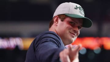 ARLINGTON, TX - APRIL 26: Sam Darnold of USC gestures after being picked #3 overall by the New York Jets during the first round of the 2018 NFL Draft at AT&T Stadium on April 26, 2018 in Arlington, Texas. (Photo by Ronald Martinez/Getty Images)