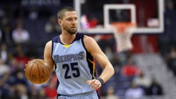 WASHINGTON, DC - JANUARY 18: Chandler Parsons #25 of the Memphis Grizzlies dribbles the ball against the Washington Wizards at Verizon Center on January 18, 2017 in Washington, DC. NOTE TO USER: User expressly acknowledges and agrees that, by downloading and or using this photograph, User is consenting to the terms and conditions of the Getty Images License Agreement. (Photo by Rob Carr/Getty Images)