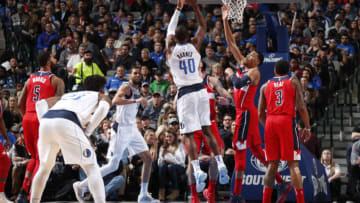 DALLAS, TX - JANUARY 22: Harrison Barnes #40 of the Dallas Mavericks shoots the ball against the Washington Wizards on January 22, 2018 at the American Airlines Center in Dallas, Texas. NOTE TO USER: User expressly acknowledges and agrees that, by downloading and or using this photograph, User is consenting to the terms and conditions of the Getty Images License Agreement. Mandatory Copyright Notice: Copyright 2018 NBAE (Photo by Danny Bollinger/NBAE via Getty Images)