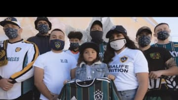 WATCH: LA Galaxy alumni and supporters see the Community Kit for the first time