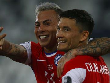 Eduardo Vargas marcou o único gol do Chile contra a Argentina. Camisa 10 do Atlético-MG estreou bem na Copa América.