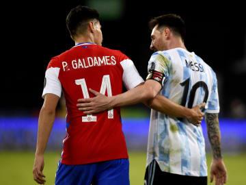 Argentina e Chile empataram na largada da Copa América. Mas foi um bom jogo para os espectadores.