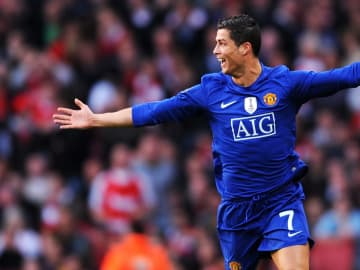 Cristiano Ronaldo stunned Arsenal as Man Utd comfortably booked a place in the 2009 Champions League final