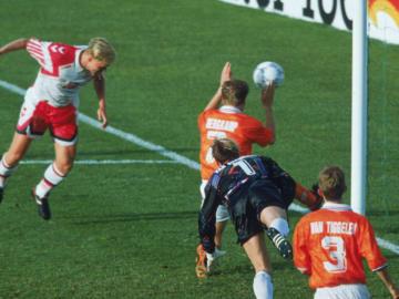 Henrik Larsen, Hollanda ile oynanan yarı final maçında 2 gol attı.