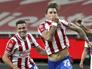 Cristian Calderón fue autor de tres golazos increíbles en el Clásico Nacional de Liguilla del Guard1anes 2020