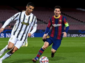 Video of footballers choosing between Ronaldo and Messi