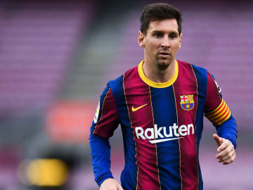 Barcelona hit stumbling block in their attempt to register Messi's new contract