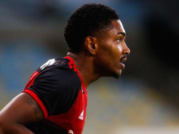 Vitinho foi o maior destaque do Flamengo sem suas grandes estrelas.