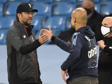 Guardiola y Klopp seguirán una temporada más en la Premier