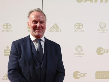 Karl-Heinz Rummenigge dementiert die Gerüchte um Robert Lewandowski.