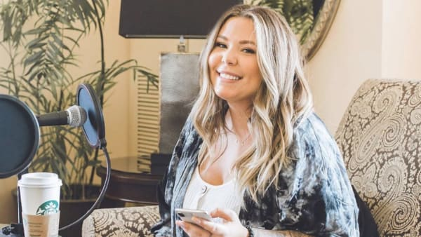 """'Teen Mom 2' star Kailyn Lowry responds after Twitter troll says she doesn't have """"real job"""""""