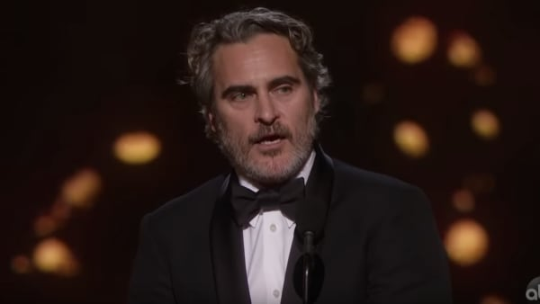 'Joker' star Joaquin Phoenix quotes late brother River while accepting Academy Award