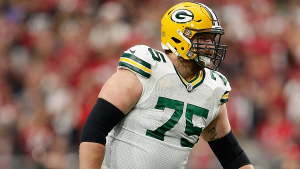 GLENDALE, AZ - DECEMBER 27:  Tackle Bryan Bulaga #75 of the Green Bay Packers during the NFL game against the Arizona Cardinals at the University of Phoenix Stadium on December 27, 2015 in Glendale, Arizona. The Cardinals defeated the Packers 38-8.  (Photo by Christian Petersen/Getty Images)