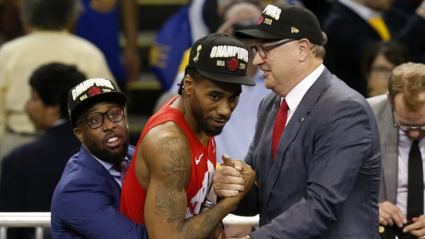 OAKLAND, CALIFORNIA - JUNE 13:  Kawhi Leonard #2 of the Toronto Raptors celebrates his teams victory over the Golden State Warriors in Game Six to win the 2019 NBA Finals at ORACLE Arena on June 13, 2019 in Oakland, California. NOTE TO USER: User expressly acknowledges and agrees that, by downloading and or using this photograph, User is consenting to the terms and conditions of the Getty Images License Agreement. (Photo by Lachlan Cunningham/Getty Images)