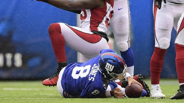 EAST RUTHERFORD, NEW JERSEY - OCTOBER 20:  Chandler Jones #55 of the Arizona Cardinals celebrates his sack of Daniel Jones #8 of the New York Giants during the first half at MetLife Stadium on October 20, 2019 in East Rutherford, New Jersey. (Photo by Steven Ryan/Getty Images)