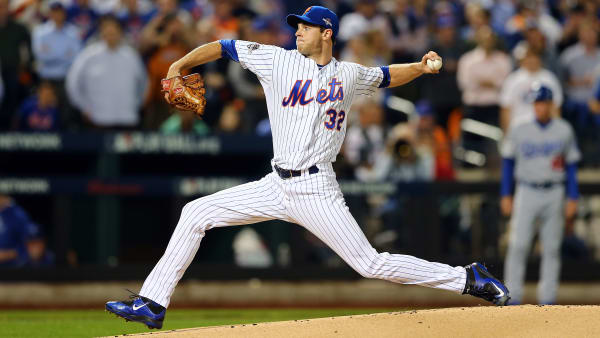 NEW YORK, NY - OCTOBER 13:  Steven Matz #32 of the New York Mets throws a pitch in the first inning against the Los Angeles Dodgers during game four of the National League Division Series at Citi Field on October 13, 2015 in New York City.  (Photo by Elsa/Getty Images)