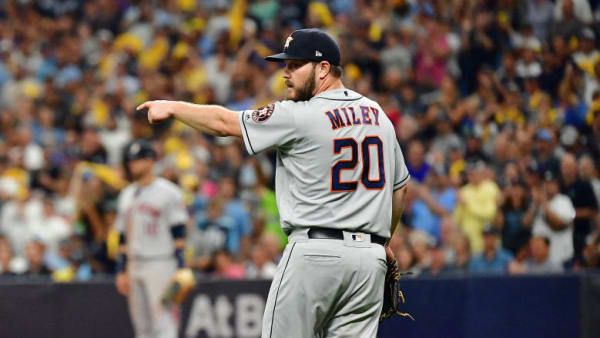ST PETERSBURG, FLORIDA - OCTOBER 07: Wade Miley #20 of the Houston Astros reacts during the seventh inning against the Tampa Bay Rays in Game Three of the American League Division Series at Tropicana Field on October 07, 2019 in St Petersburg, Florida. (Photo by Julio Aguilar/Getty Images)