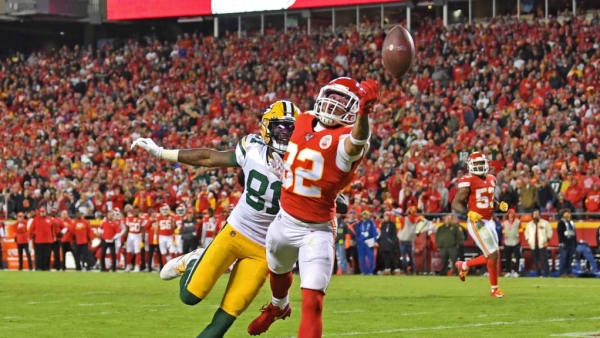 KANSAS CITY, MO - OCTOBER 27:  Strong safety Tyrann Mathieu #32 of the Kansas City Chiefs deflects a pass away from wide receiver Geronimo Allison #81 of the Green Bay Packers during the second half at Arrowhead Stadium on October 27, 2019 in Kansas City, Missouri. (Photo by Peter Aiken/Getty Images)