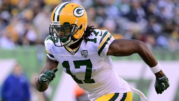 EAST RUTHERFORD, NEW JERSEY - DECEMBER 23: Davante Adams #17 of the Green Bay Packers runs the route against the New York Jets at MetLife Stadium on December 23, 2018 in East Rutherford, New Jersey. (Photo by Steven Ryan/Getty Images)