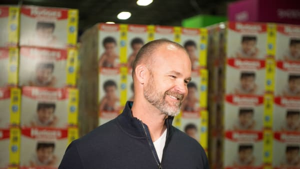 CHICAGO, IL - APRIL 05:  Former Chicago Cubs catcher and 2016 World Series Champion David Ross lends a hand at a diaper donation event hosted by Walgreens and Huggies at Cradles to Crayons in Chicago on Thursday April 5. The event celebrates a donation of 250,000 diapers to Cradles to Crayons and $10,000 to the National Diaper Bank Network to help combat diaper need nationwide.  (Photo by Daniel Boczarski/Getty Images for Huggies)