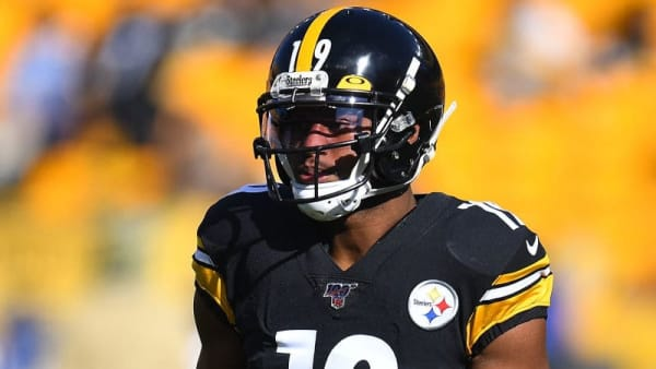 PITTSBURGH, PA - NOVEMBER 03:  JuJu Smith-Schuster #19 of the Pittsburgh Steelers warms up prior to the game against the Indianapolis Colts at Heinz Field on November 3, 2019 in Pittsburgh, Pennsylvania. (Photo by Joe Sargent/Getty Images)