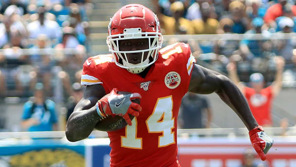 JACKSONVILLE, FLORIDA - SEPTEMBER 08: Sammy Watkins #14 of the Kansas City Chiefs runs toward the goal line during the game against the Jacksonville Jaguars at TIAA Bank Field on September 08, 2019 in Jacksonville, Florida. (Photo by Sam Greenwood/Getty Images)