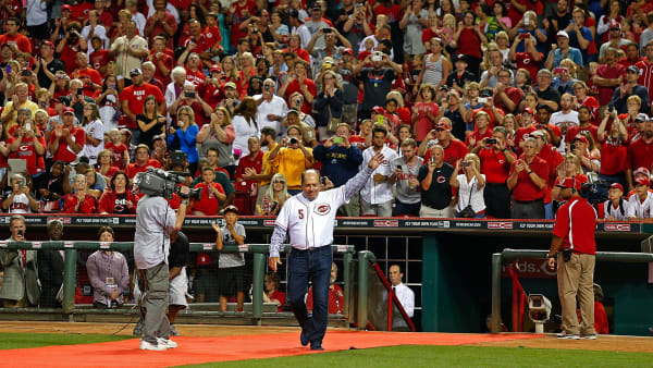 CINCINNATI, OH - AUGUST 08:  Former Cincinnati Reds player Johnny Bench waves to the fans during a ceremony recognizing over 20 members of the team's Hall of Fame after the completion of the game between the Cincinnati Reds and the Miami Marlins at Great American Ball Park on August 8, 2014 in Cincinnati, Ohio. Miami defeated Cincinnati 2-1. (Photo by Kirk Irwin/Getty Images)