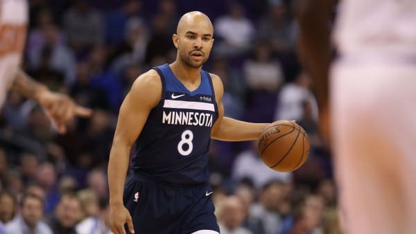 PHOENIX, ARIZONA - JANUARY 22:  Jerryd Bayless #8 of the Minnesota Timberwolves handles the ball during the first half of the NBA game against the Phoenix Suns at Talking Stick Resort Arena on January 22, 2019 in Phoenix, Arizona. (Photo by Christian Petersen/Getty Images)