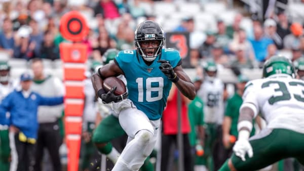 JACKSONVILLE, FL - OCTOBER 27: Wide receiver Chris Conley #18 of the Jacksonville Jaguars runs after a catch during the game against the New York Jets at TIAA Bank Field on October 27, 2019 in Jacksonville, Florida. The Jaguars defeated The Jets 29 to 15. (Photo by Don Juan Moore/Getty Images)