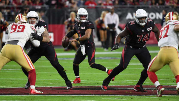 GLENDALE, ARIZONA - OCTOBER 31: Kyler Murray #1 of the Arizona Cardinals looks to throw the ball against the San Francisco 49ers at State Farm Stadium on October 31, 2019 in Glendale, Arizona. (Photo by Norm Hall/Getty Images)