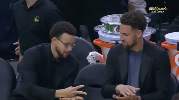 Steph Curry/Klay Thompson rock paper scissors