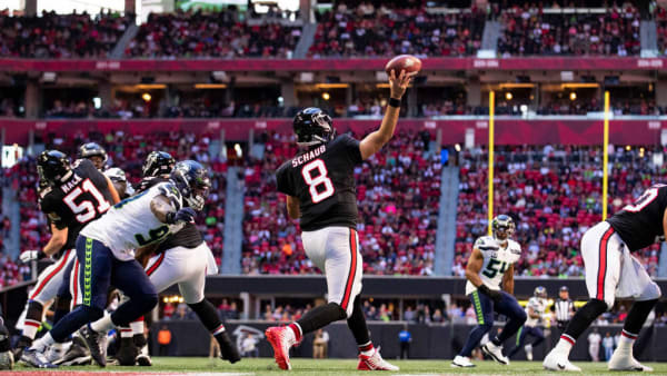 ATLANTA, GA - OCTOBER 27: Matt Schaub #8 of the Atlanta Falcons passes during the first half of a game against the Seattle Seahawks at Mercedes-Benz Stadium on October 27, 2019 in Atlanta, Georgia. (Photo by Carmen Mandato/Getty Images)