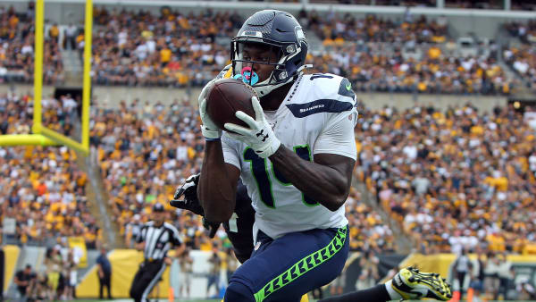 PITTSBURGH, PA - SEPTEMBER 15:  D.K. Metcalf #14 of the Seattle Seahawks catches a 28-yard touchdown pass in the fourth quarter against the Pittsburgh Steelers on September 15, 2019 at Heinz Field in Pittsburgh, Pennsylvania.  (Photo by Justin K. Aller/Getty Images)