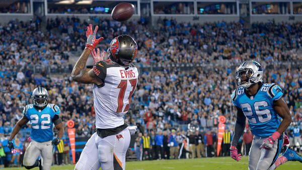 CHARLOTTE, NC - OCTOBER 10:  Mike Evans #13 of the Tampa Bay Buccaneers catches a touchdown pass against the Carolina Panthers in the 3rd quarter during the game at Bank of America Stadium on October 10, 2016 in Charlotte, North Carolina.  (Photo by Grant Halverson/Getty Images)