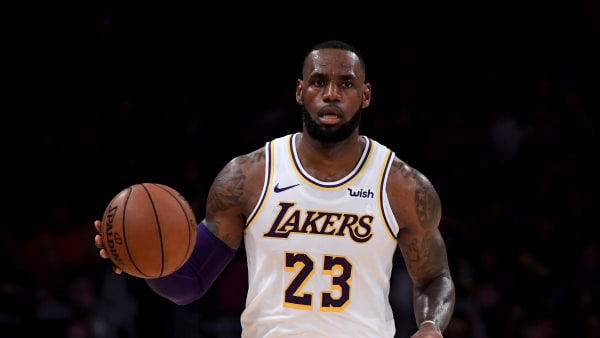 LOS ANGELES, CA - NOVEMBER 04:  LeBron James #23 of the Los Angeles Lakers carries the ball up court during the game against the Toronto Raptors at Staples Center on November 4, 2018 in Los Angeles, California.  (Photo by Harry How/Getty Images)