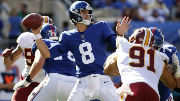 EAST RUTHERFORD, NEW JERSEY - SEPTEMBER 29:  (NEW YORK DAILIES OUT)   Daniel Jones #8 of the New York Giants in action against the Washington Redskins at MetLife Stadium on September 29, 2019 in East Rutherford, New Jersey. The Giants defeated the Redskins 24-3. (Photo by Jim McIsaac/Getty Images)