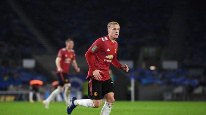 Manchester United surprise move for Edinson Cavani almost complete