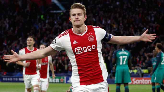 Matthijs de Ligt Drops Fresh Barcelona Hint as Ajax Sign