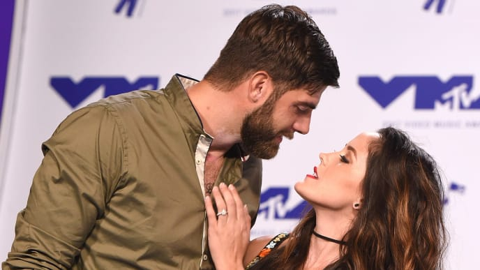 INGLEWOOD, CA - AUGUST 27:  David Eason and Jenelle Evans attends the 2017 MTV Video Music Awards at The Forum on August 27, 2017 in Inglewood, California.  (Photo by C Flanigan/Getty Images)