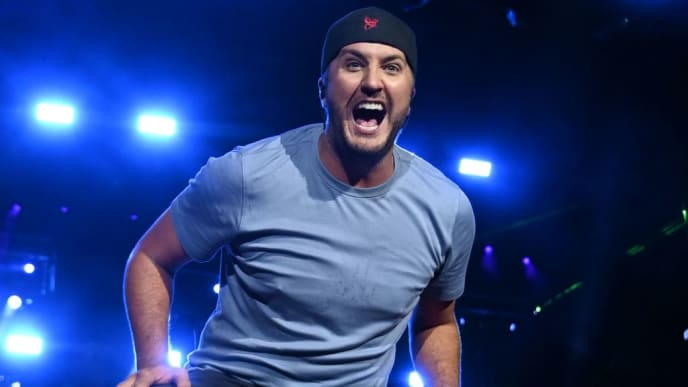 LOUISVILLE, KENTUCKY - SEPTEMBER 15: Luke Bryan performs during the inaugural 2019 Hometown Rising Country Music & Bourbon Festival at Highland Festival Grounds at Kentucky Expo Center on September 15, 2019 in Louisville, Kentucky. (Photo by Stephen J. Cohen/Getty Images)