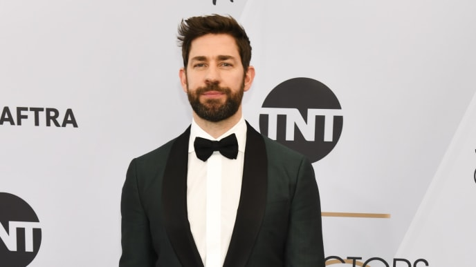LOS ANGELES, CALIFORNIA - JANUARY 27: John Krasinski arrives at the 25th Annual Screen Actors Guild Awards at the The Shrine Auditorium on January 27, 2019 in Los Angeles, California. (Photo by Rodin Eckenroth/Getty Images)