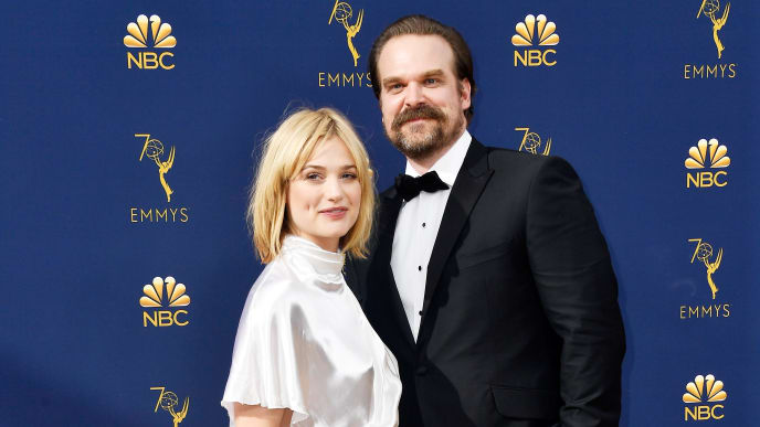 LOS ANGELES, CA - SEPTEMBER 17:  Alison Sudol (L) and David Harbour attend the 70th Emmy Awards at Microsoft Theater on September 17, 2018 in Los Angeles, California.  (Photo by Frazer Harrison/Getty Images)