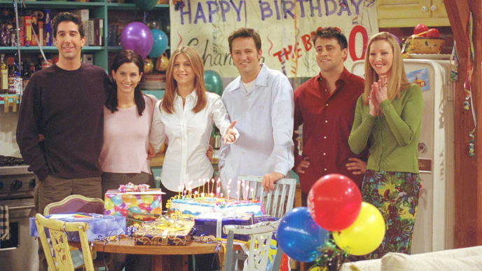 """385848 27: Cast members of NBC's comedy series """"Friends."""" Pictured (l to r): David Schwimmer as Ross Geller, Courteney Cox as Monica Geller, Jennifer Aniston as Rachel Cook, Matthew Perry as Chandler Bing, Matt LeBlanc as Joey Tribbiani and Lisa Kudrow as Phoebe Buffay. Episode: """"The One Where They All Turn Thirthy."""" (Photo by Warner Bros. Television)"""