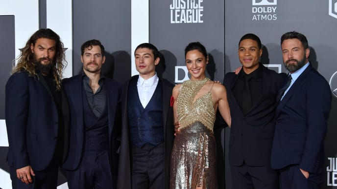 HOLLYWOOD, CA - NOVEMBER 13:  (L-R) Actors Jason Momoa, Henry Cavill, Ezra Miller, Gal Gadot, Ray Fisher, and Ben Affleck attend the premiere of Warner Bros. Pictures 'Justice League' at the Dolby Theatre on November 13, 2017 in Hollywood, California.  (Photo by Neilson Barnard/Getty Images)