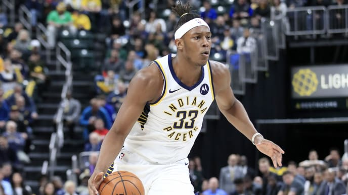 INDIANAPOLIS, INDIANA - MARCH 05:  Myles Turner #33 of the  Indiana Pacers dribbles the ball against the Chicago Bulls at Bankers Life Fieldhouse on March 05, 2019 in Indianapolis, Indiana. (Photo by Andy Lyons/Getty Images)