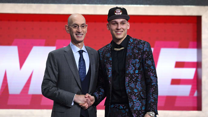 NEW YORK, NEW YORK - JUNE 20: Tyler Herro poses with NBA Commissioner Adam Silver after being drafted with the 13th overall pick by the Miami Heat during the 2019 NBA Draft at the Barclays Center on June 20, 2019 in the Brooklyn borough of New York City. NOTE TO USER: User expressly acknowledges and agrees that, by downloading and or using this photograph, User is consenting to the terms and conditions of the Getty Images License Agreement. (Photo by Sarah Stier/Getty Images)